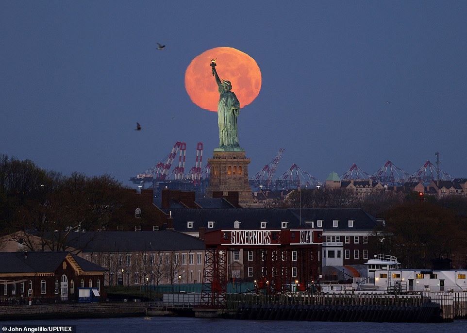 pink moon statue of liberty.jpg