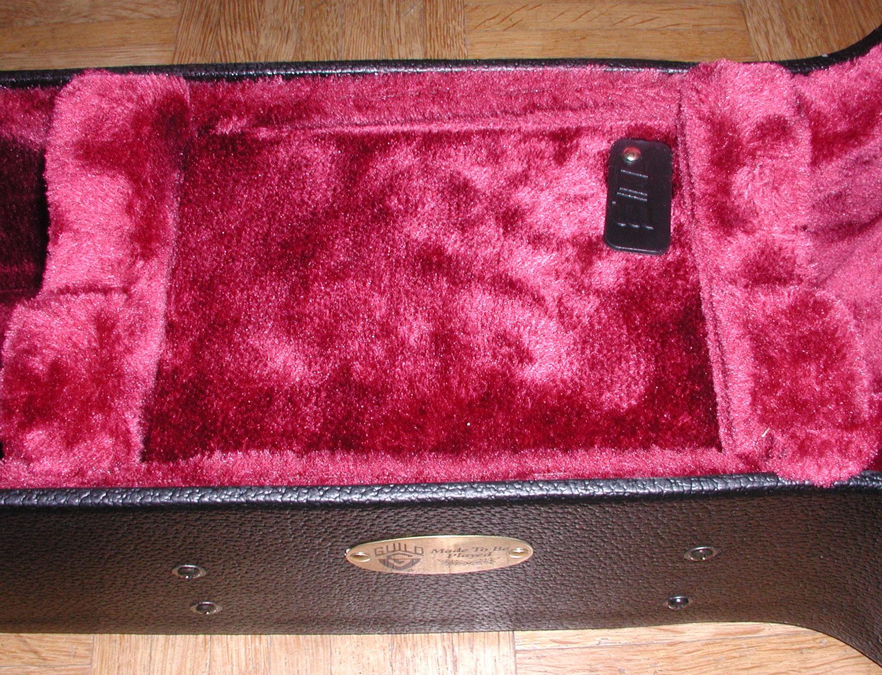 TKL Deluxe accessory compartment 1.JPG